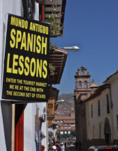 Mundo Antiguo Spanish school